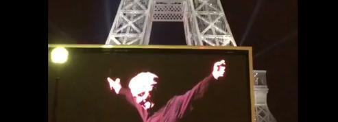 Paris se met aux couleurs du grand Charles Aznavour