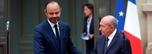 Une passation de pouvoir expédiée entre Édouard Philippe et Gérard Collomb