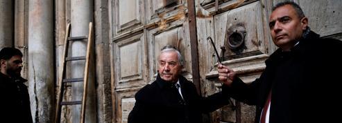 Tombeau du Christ: le gardien des clés du Saint-Sépulcre cloué au pilori