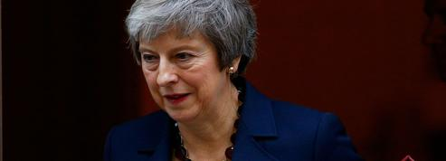Brexit : comment Theresa May a survécu en jouant la montre