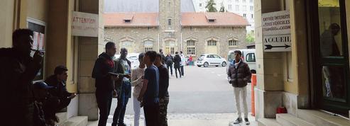 Centre pour migrants du XVIe: Paris veut rassurer le voisinage