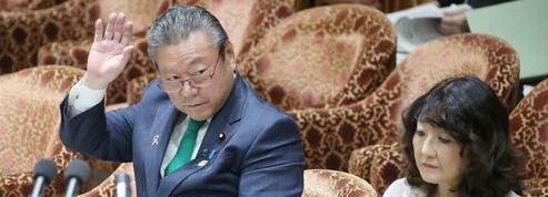 Au Japon, le ministre de la Cybersécurité n'a jamais touché un ordinateur de sa vie