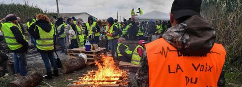 «Gilets jaunes»: les routiers de FO en renfort, main tendue de la CGT