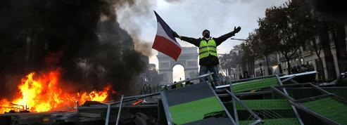«Gilets jaunes» : ce samedi des barricades ont été érigées en plein Paris