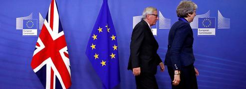 Brexit : Bruxelles tend son accord de retrait au Royaume-Uni