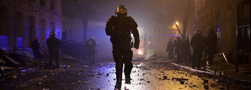 «Gilets jaunes» : «Ma compagnie a tiré plus de 1000 grenades lacrymogènes», témoigne un CRS