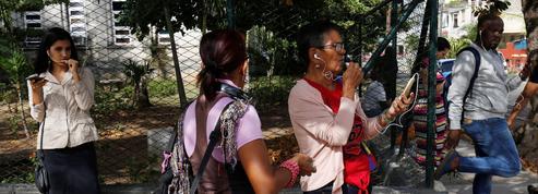 Les Cubains se ruent sur l'Internet mobile