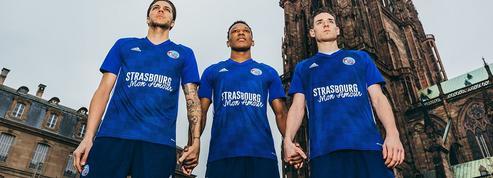 «Strasbourg Mon Amour», le maillot hommage des footballeurs aux victimes de l'attentat
