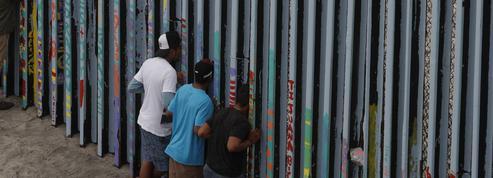 Un mur ou un «shutdown», le dilemme de Donald Trump