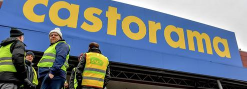 Lille : des «gilets jaunes» rejoignent des salariés de Castorama en grève
