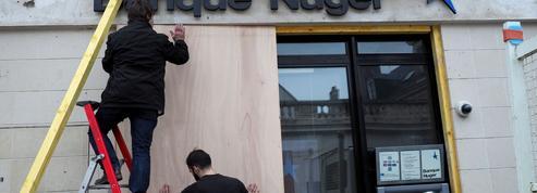 «Gilets jaunes», acte IX : dans l'attente des manifestants, Bourges se cadenasse