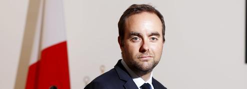 Grand débat national : Sébastien Lecornu aux avant-postes pour rallier les maires