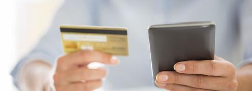 Banques en ligne: comment réduire les frais quand on voyage