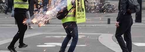 «Gilets jaunes» : les manifestants blessés risquent-ils de ne pas être indemnisés?