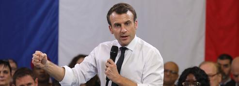 Macron garde la carte du référendum en main