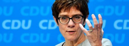Européennes : la présidente de la CDU soutient le chef de file du PPE Manfred Weber