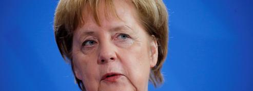 Merkel reste dans le viseur de l'axe Rome-Vienne