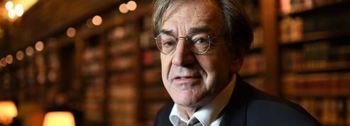 Macron dénonce «les injures antisémites» à l'encontre de Finkielkraut, le parquet enquête