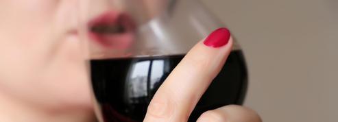 «Je pensais être la seule femme à avoir un problème d'alcoolisme»