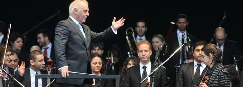 Accusé de pousser les musiciens à la dépression, le chef d'orchestre Daniel Barenboïm réplique