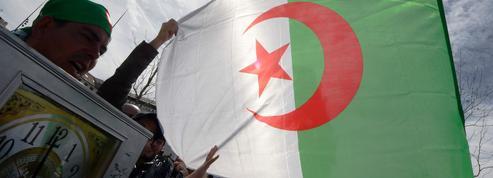 Crise en Algérie: Paris attentif mais bridé par la relation complexe avec son ancienne colonie