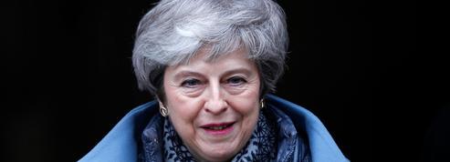 Brexit: Theresa May tente d'acheter des voix au Labour