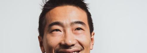 Yan Liu impose les smartphones Xiaomi des Champs-Élysées à la Défense