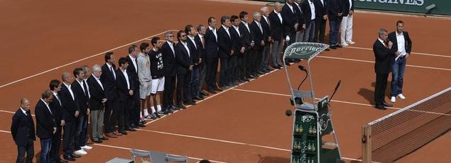 Le court central dimanche après-midi pendant l'hommage à Patrice Dominguez.