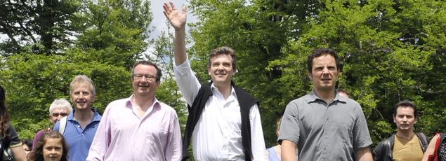 Le 28 mai 2012, Arnaud Montebourg, alors ministre du redressement productif, lors de la traditionnelle ascension du mont Beuvray avec, à ses côtés déjà, le député dfe la Nièvre Christian Paul (à gauche).