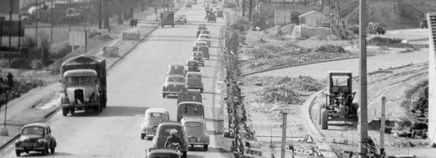 «De toutes les routes de France, d'Europe Celle que j'préfère est celle qui conduit en auto ou en auto-stop vers les rivages du Midi, Nationale 7...» Charles Trenet.