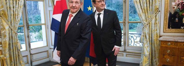 Le président cubain, Raul Castro, et le président français, François Hollande