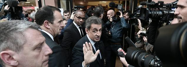 Nicolas Sarkozy avant une séance de dédicace, le 26 janvier.