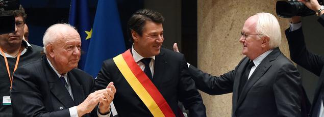 Christian Estrosi (au centre), au moment de son élection à la présidence du Conseil régional de Paca.