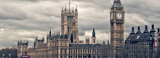Le Royaume-Uni a mis en place en 2013 des heures de TIG pour ses chômeurs de longue durée. (Crédit: Hernan Piñera, Westminster, via Flickr sous licence Creative commons)