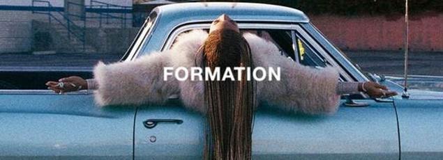 Beyoncé se révèle militante pour la cause des Afro-Américains dans Formation.