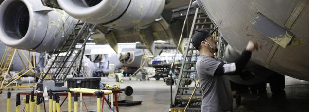Maintenance sur un Boeing, à San Antonio, au Texas, en janvier.