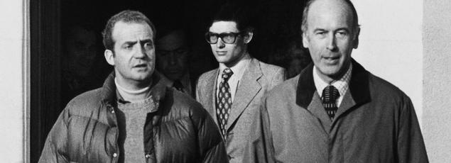 Valéry Giscard d'Estaing (à droite) et Juan Carlos, alors prince d'Espagne, en février 1975 à Chambord.