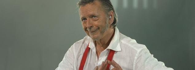 Toujours debout, le prochain album de Renaud, contiendra 13 titres plus un bonus en slam.