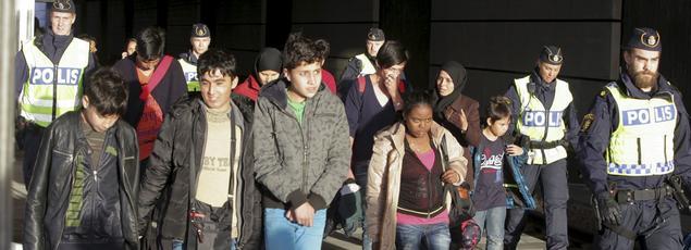 Des enfants réfugiés arrivent à Malmö, le 12 novembre 2015.