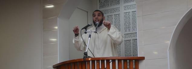 L'imam de Brest Rachid Abou Houdeyfa, dans un prêche publié le 26 février 2016 sur Youtube.