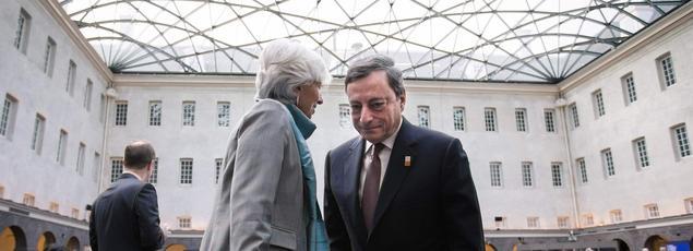 Christine Lagarde (directrice du FMI) et Mario Draghi (président de la Banque centrale européenne), à Amsterdam.