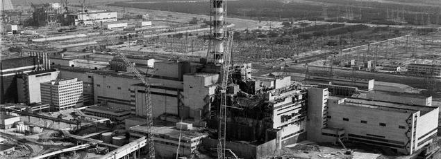 La centrale de Tchernobyl quelques jours après l'explosion du réacteur.