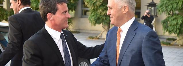 Les équipes de Matignon ont fait des pieds et des mains pour que Manuel Valls (ici avec Malcolm Turnbull) puisse faire étape en Australie.