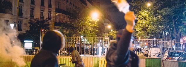 Des heurts ont opposé manifestants et forces de l'ordre dans la soirée du 28 avril, lors de l'évacuation de la place de la République à Paris.