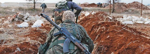 Les combattantsdu Front al-Nosra, (ici au nord de la cité d'Alep) viennent d'infligerplusieurs défaitesà l'armée syrienne.