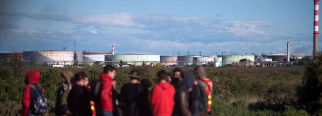 Plusieurs centaines de militants CGT bloquaient le site pétrolier de Fos-sur-mer depuis la nuit de dimanche à lundi.