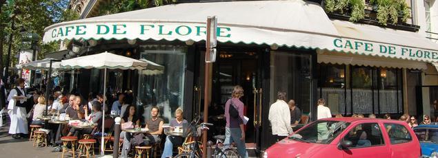 Plus qu'une simple brasserie, le Café de Flore est devenu une véritable institution à Paris