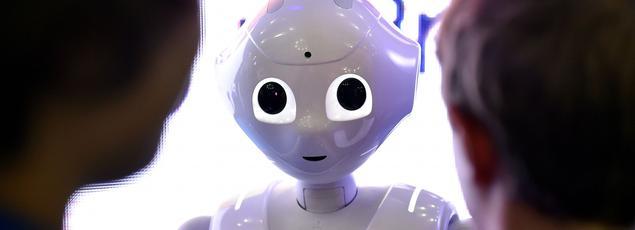 Vendeur, réceptionniste, guide touristique, compagnon domestique... Voici Pepper, le robot humanoïde conçu par la société française Aldebaran.
