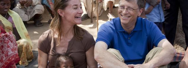 Bill et Melinda Gates dans le village de Jamsaut le 23 Mars 2011.