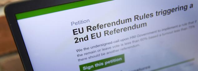 La pétition a enregistré samedi jusqu'à plus de 3000 signatures à la minute, elle a rencontré un tel succès que le site a été submergé la veille.